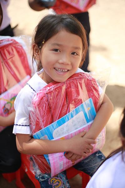 Bừng sáng nụ cười trẻ em trường tiểu học Ea Bung - 3