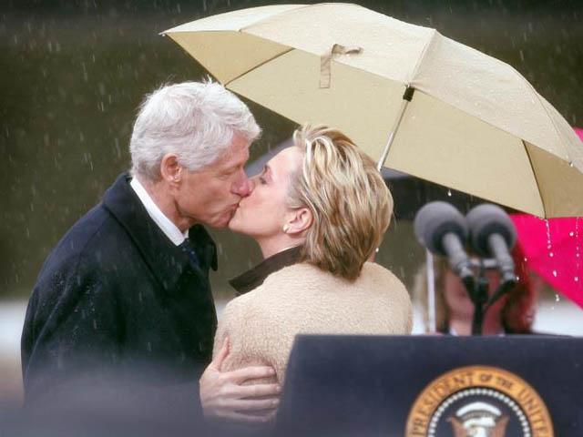 Vợ chồng bà Hillary Clinton kỷ niệm 40 năm ngày cưới - 1