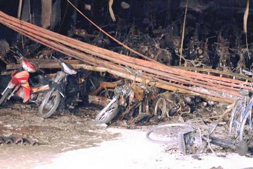 Cháy chung cư Xa La: Không có chuyện 1.000 xe máy bị thiêu rụi - 1