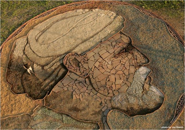 """Bức họa đầu tay và cũng là tác phẩm để đời nhất của nghệ sĩ tài hoa này là bức tranh vẽ tù trưởng Satanta hoàn thành năm 1981. Và tác phẩm mới nhất của Stan Herd mô phỏng bức  """" Olive trees """"  nổi tiếng của danh họa Van Gogh. Kể từ năm 1970 đến nay, ông đã miệt mài cống hiến cho nghệ thuật vẽ tranh trên cánh đồng và tạo nên 35 tác phẩm tuyệt đẹp trên khắp thế giới, trải dài từ Mỹ, Canada, Châu Âu, Nam Mỹ, Cuba đến Australia, Trung Quốc, Ả Rập Saudi, Nhật Bản."""
