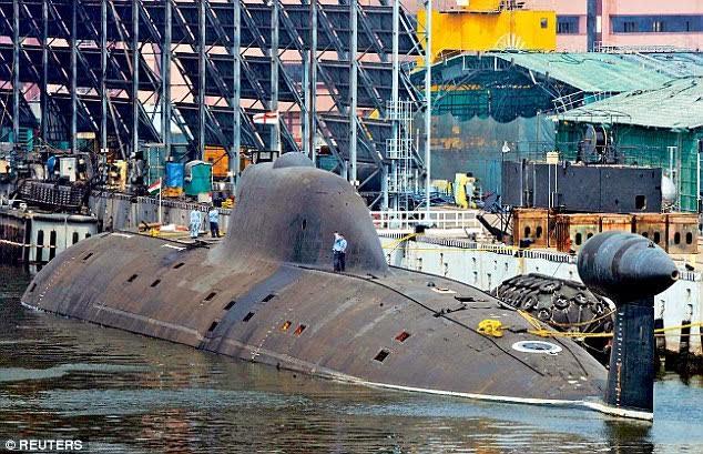 Tàu ngầm hạt nhân Ấn Độ bắn thử tên lửa trong tháng 10 - 1