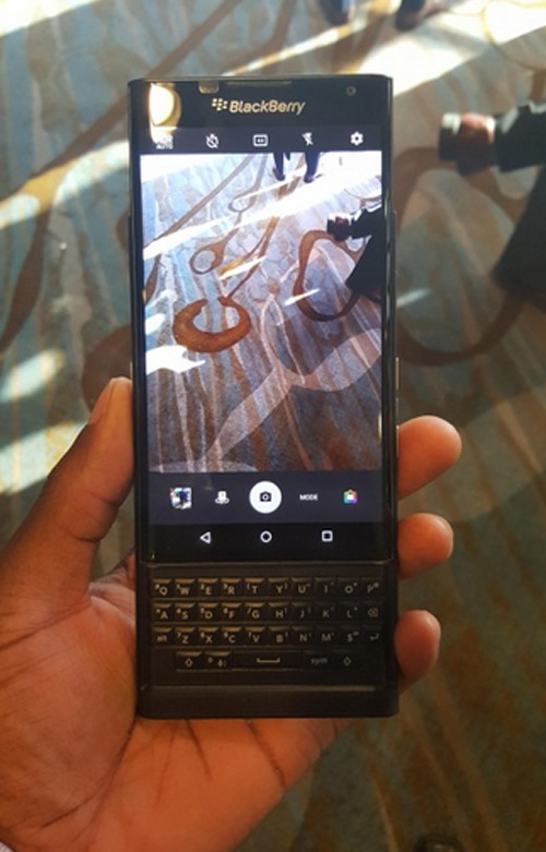 Trên tay BlackBerry Priv bị rò rỉ - 1