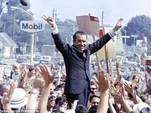 Tin tức trong ngày - Mẩu giấy bí mật hé lộ suy nghĩ của Nixon về chiến tranh VN