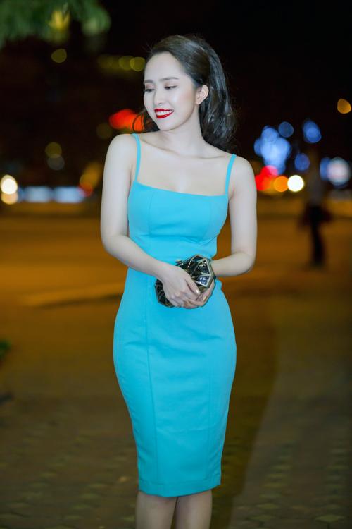 Bất ngờ với vẻ sexy của Quỳnh Nga ngày đi hát trở lại - 2