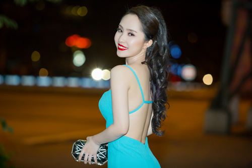 Bất ngờ với vẻ sexy của Quỳnh Nga ngày đi hát trở lại - 1