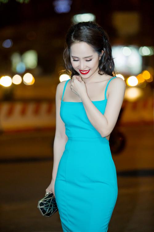 Bất ngờ với vẻ sexy của Quỳnh Nga ngày đi hát trở lại - 4