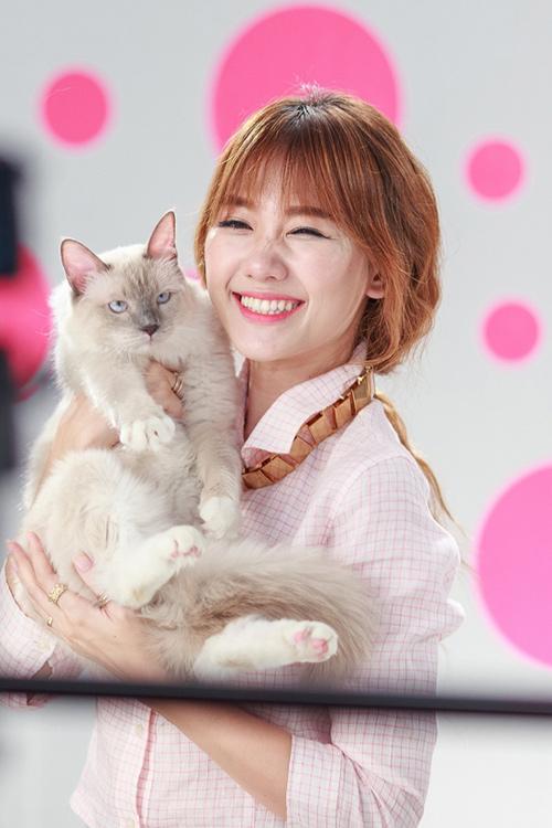 """Mèo """"hàng trăm triệu"""" làm thú cưng của người đẹp châu Á - 10"""