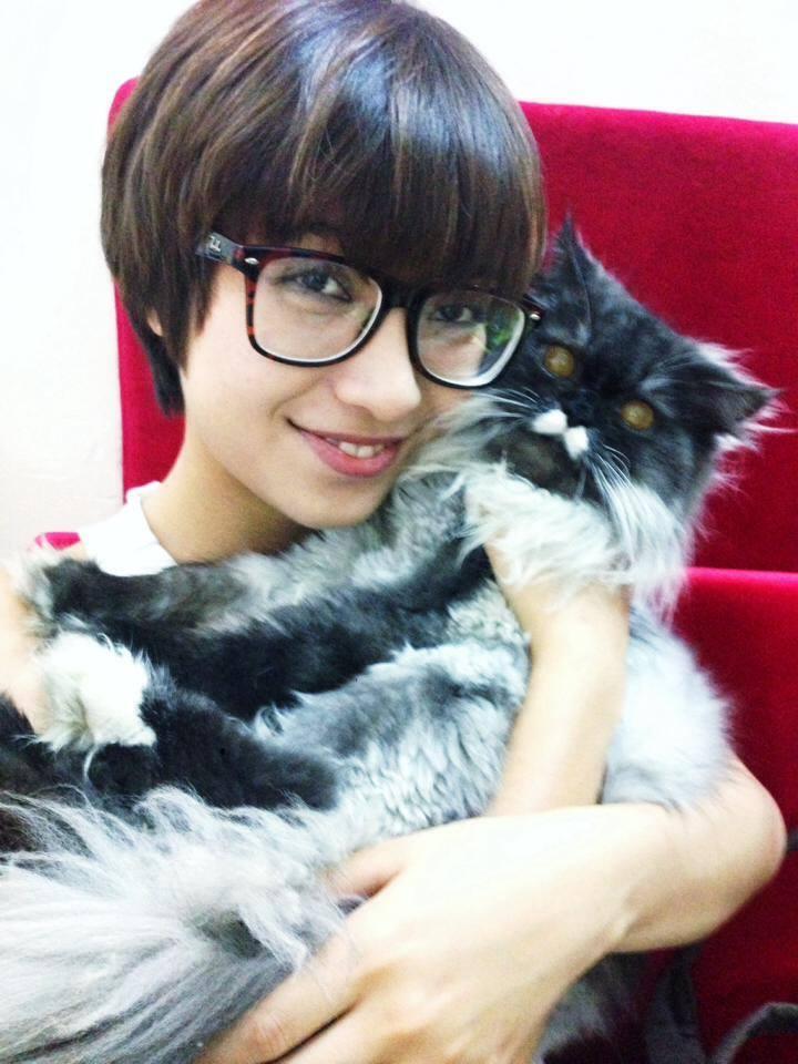 """Mèo """"hàng trăm triệu"""" làm thú cưng của người đẹp châu Á - 13"""