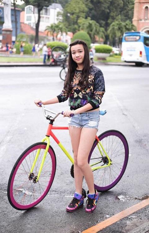Thời trang cá tính của cô bé 13 tuổi sở hữu chiều cao 1m70 - 8
