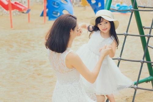 Con gái xinh như thiên thần của hoa hậu Ngọc Diễm - 7
