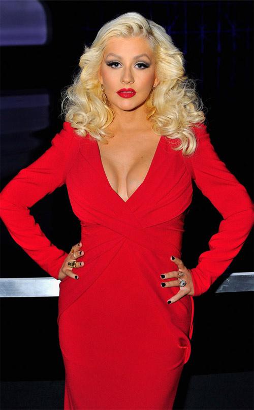 Tiết lộ kích cỡ ngực thực sự của các mỹ nhân nổi tiếng - 8