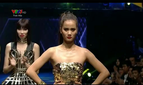 "Nhặt ""sạn"" tại Vietnam's Next Top Model 2015 - 4"