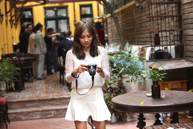 Video: Lộ diện bạn gái gốc Việt của huyền thoại Kenny G - 10