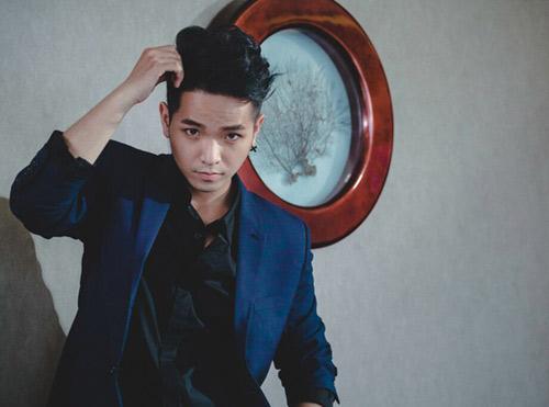 Phạm Hồng Phước thân mật cùng bạn diễn nữ trong MV - 1