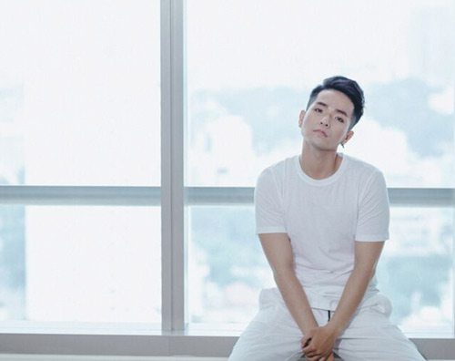 Phạm Hồng Phước thân mật cùng bạn diễn nữ trong MV - 7