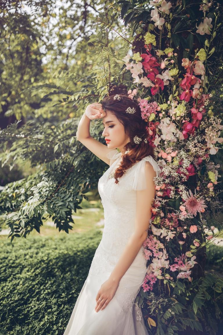 Hương Giang Idol dịu dàng, nữ tính khi làm cô dâu - 1