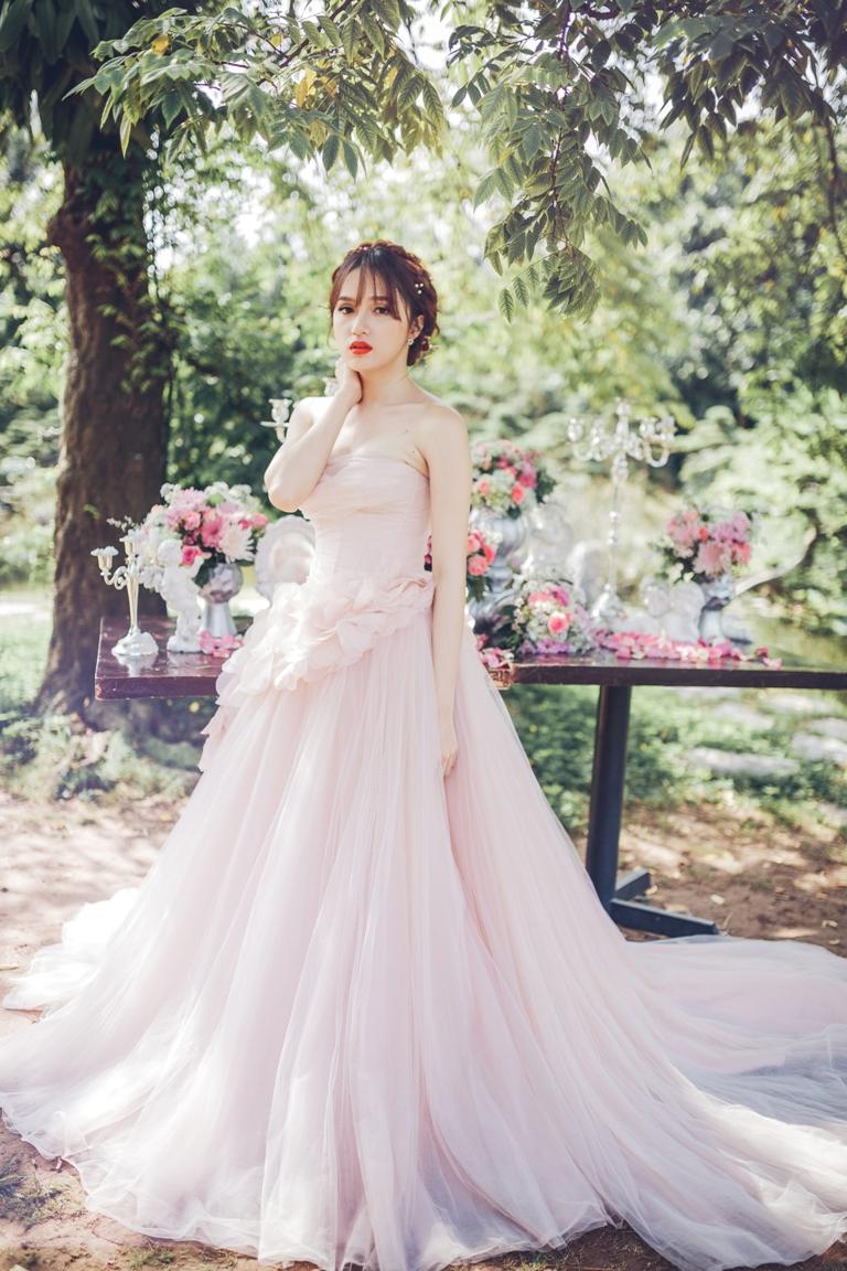Hương Giang Idol dịu dàng, nữ tính khi làm cô dâu - 2