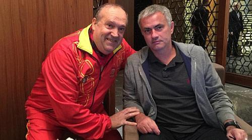 """Mourinho bị lộ khi """"do thám"""" ở Kiev - 2"""
