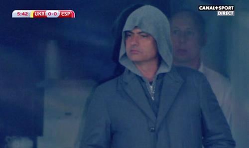 """Mourinho bị lộ khi """"do thám"""" ở Kiev - 1"""