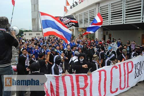Ultra Thái Lan huyên náo sân Mỹ Đình - 7