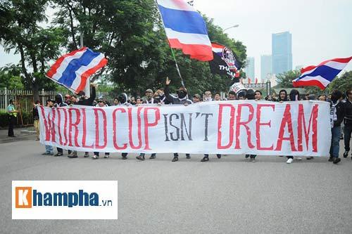 Ultra Thái Lan huyên náo sân Mỹ Đình - 1