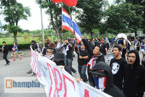 Ultra Thái Lan huyên náo sân Mỹ Đình - 2