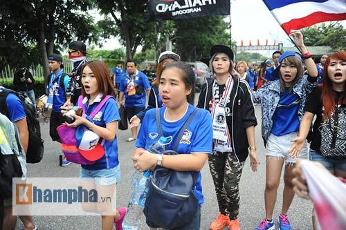 Ultra Thái Lan huyên náo sân Mỹ Đình - 8