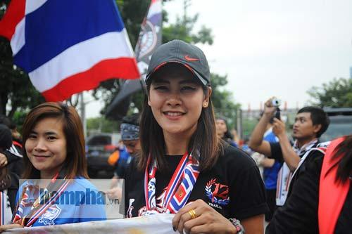 Ultra Thái Lan huyên náo sân Mỹ Đình - 4