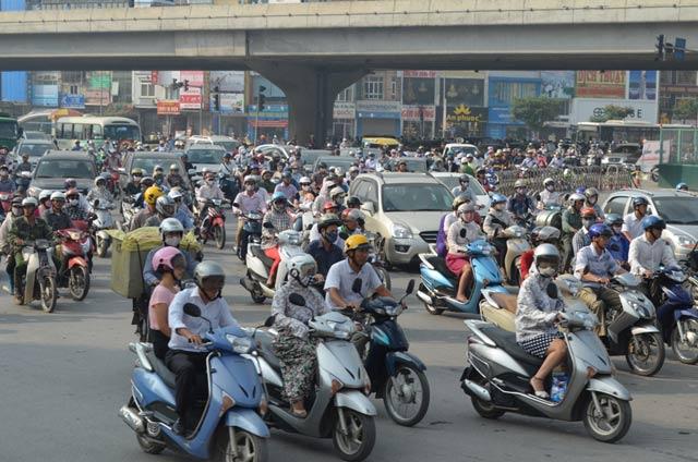 Đề xuất bỏ hẳn phí đường bộ với xe máy - 1