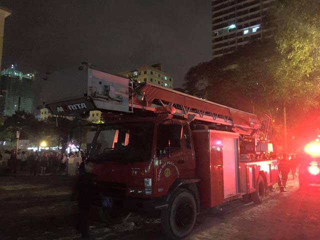 HN: Còi báo cháy rú ầm, cả chung cư hoảng loạn - 4