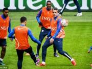 Bóng đá - Van Persie và Depay xô xát trên đội tuyển