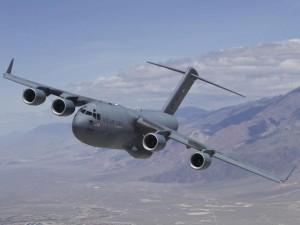 Mỹ điều máy bay thả 45 tấn đạn dược cho quân nổi dậy Syria