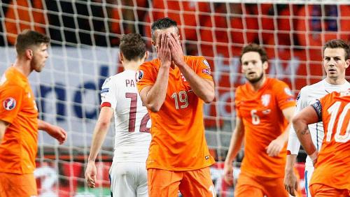 Hà Lan - CH Czech: Giấc mộng kinh hoàng - 1