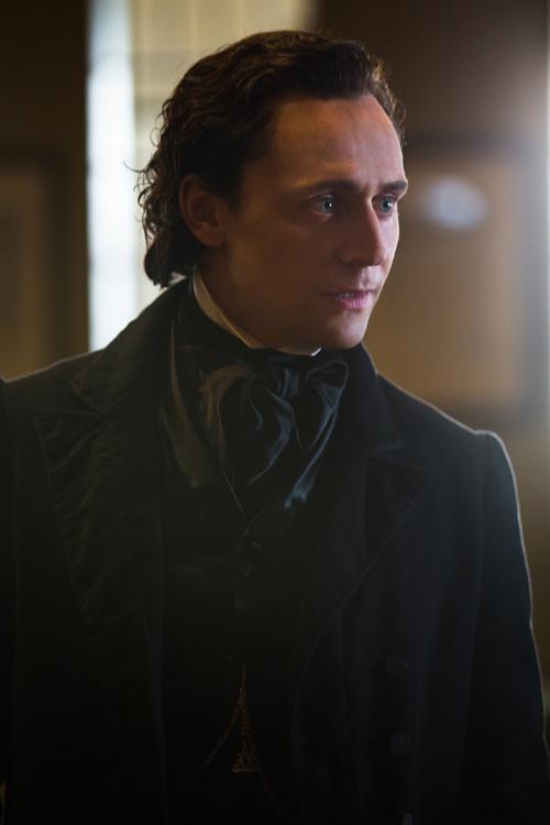 """""""Sherlock Holmes"""" hụt mất vai trong """"Lâu đài đẫm máu"""" - 1"""