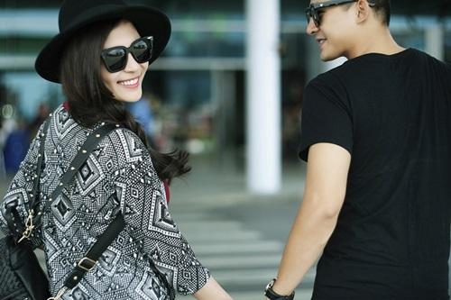 Vợ chồng Lương Thế Thành tình tứ ở sân bay - 3
