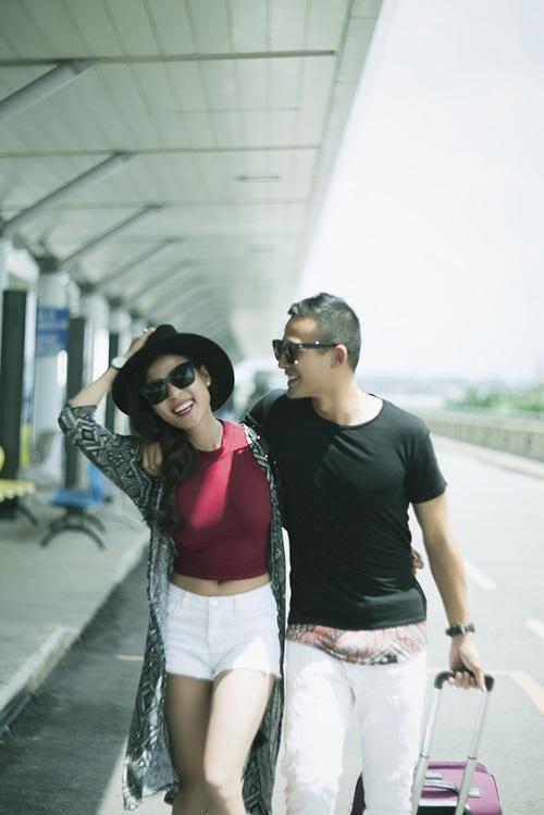 Vợ chồng Lương Thế Thành tình tứ ở sân bay - 4