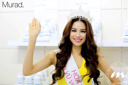 Bí mật đằng sau vẻ đẹp hoàn hảo của Hoa hậu Phạm Hương - 1