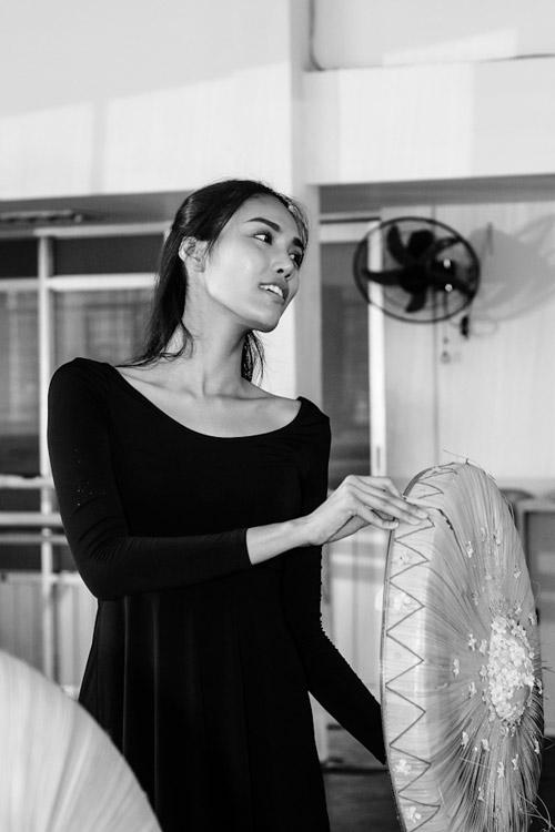 Lan Khuê sẽ múa dân tộc tại Hoa hậu Thế giới 2015 - 6