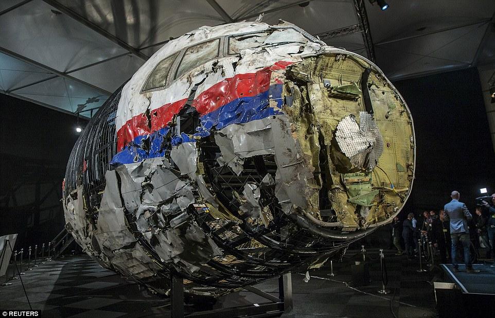 Video mô phỏng tên lửa Buk nổ, giết chết tổ lái MH17 ngay tức khắc - 5