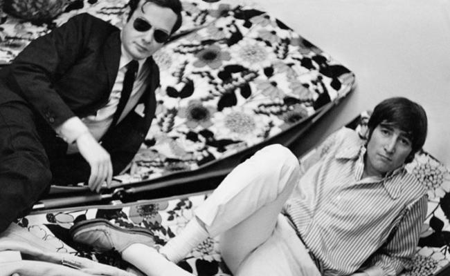 """Vợ John Lennon tiết lộ chồng muốn """"thân mật"""" với đàn ông - 2"""