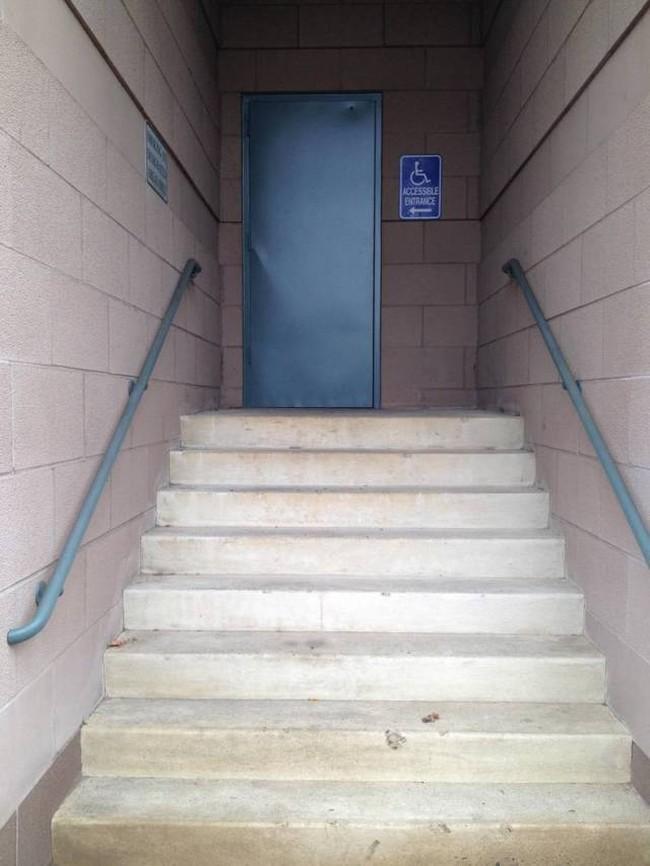 Lối đi riêng dành cho người tàn tật?