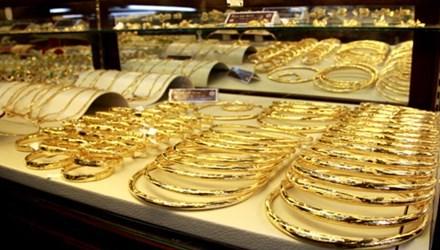 """Vàng và USD """"sốt"""" trở lại - 1"""
