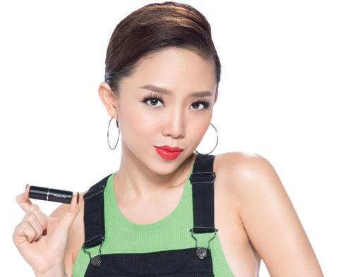 """""""Soi"""" cách make up ruột của Tóc Tiên - 2"""