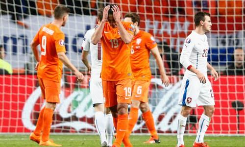 """Vòng loại Euro 2016: """"Cơn lốc da cam"""" chỉ còn dĩ vãng - 1"""