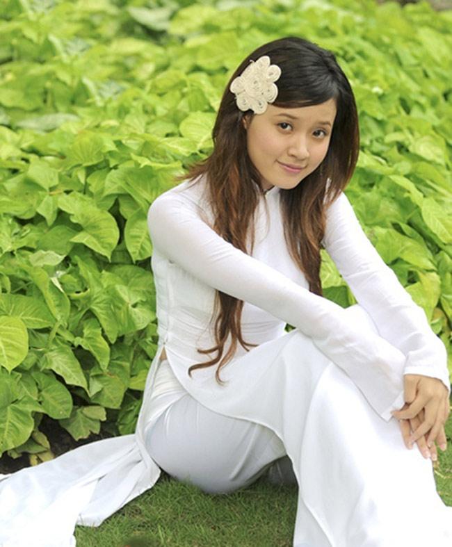 Năm 2007, Midu tham dự cuộc thi HotVteen năm 2007 và giành ngôi vị cao nhất