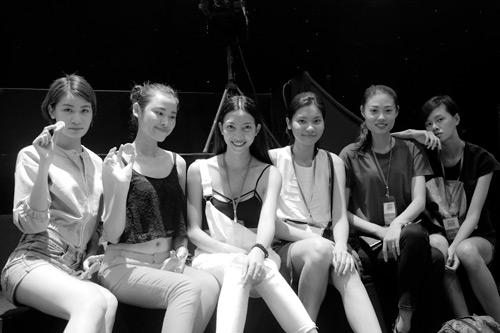 Sau đăng quang, Hương Ly đã tất bật chạy show - 8