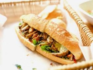 Ẩm thực - Cận cảnh chiếc bánh mì Việt siêu ngon, nhìn là thèm