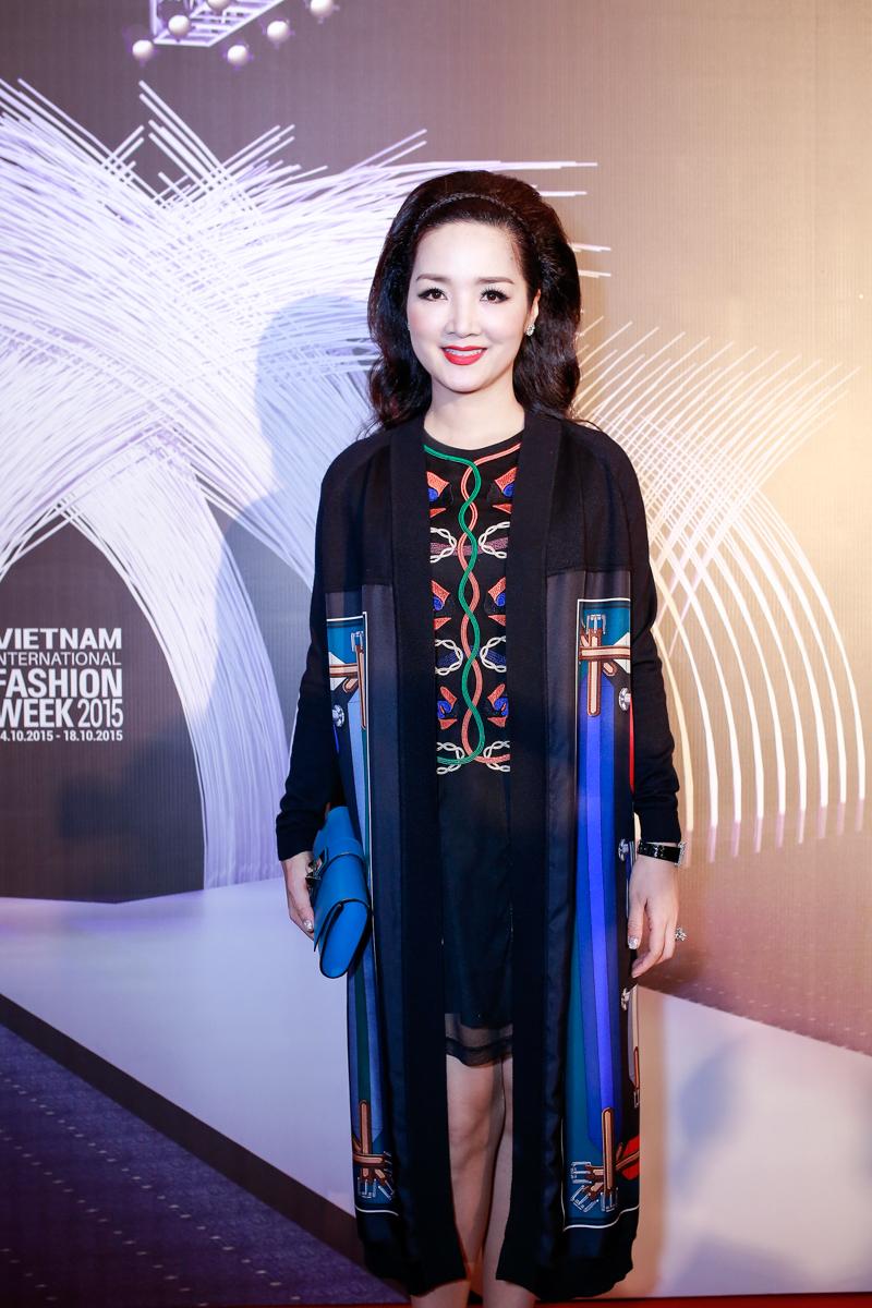 Angela Phương Trinh, Tóc Tiên đọ sức hút trên thảm đỏ - 12