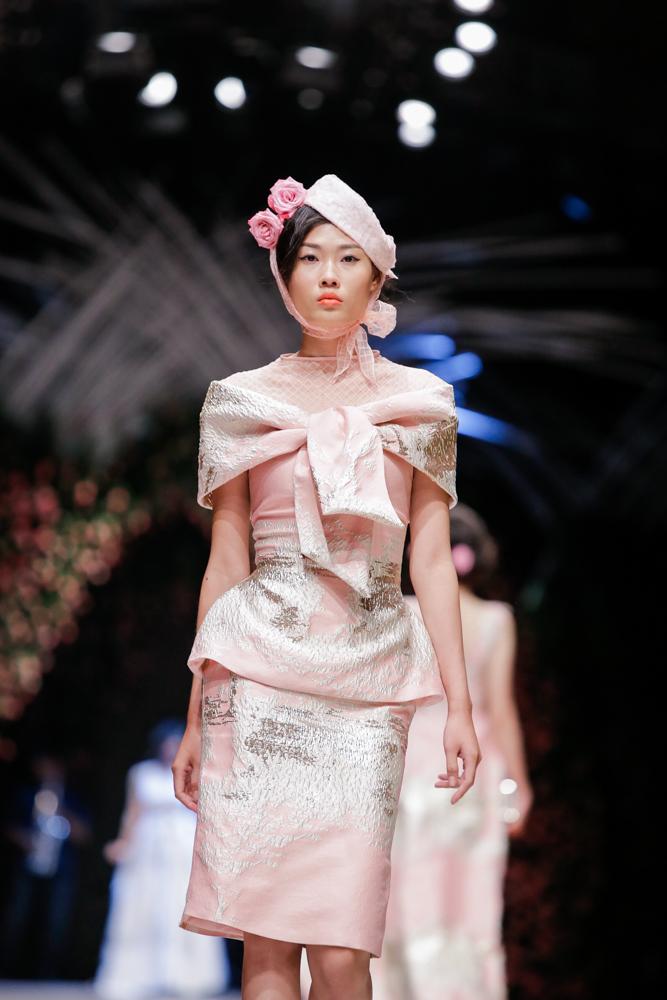 Mẫu Việt hóa quý cô thập niên 50 yêu kiều, thanh lịch - 10