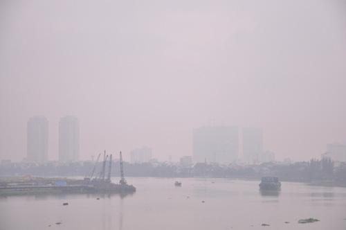 Gần trưa, Sài Gòn vẫn ẩn hiện trong sương mù - 4